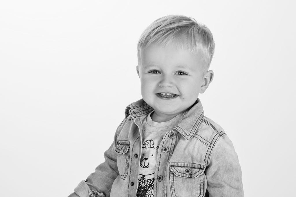 Kinderfotoshooting_mit_Willi_Fotostudio Neustadt in Sachsen_Isabel Doil_8